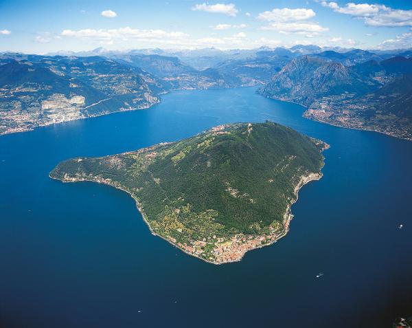 """Monte Isola in gara per il """"Borgo dei Borghi"""""""